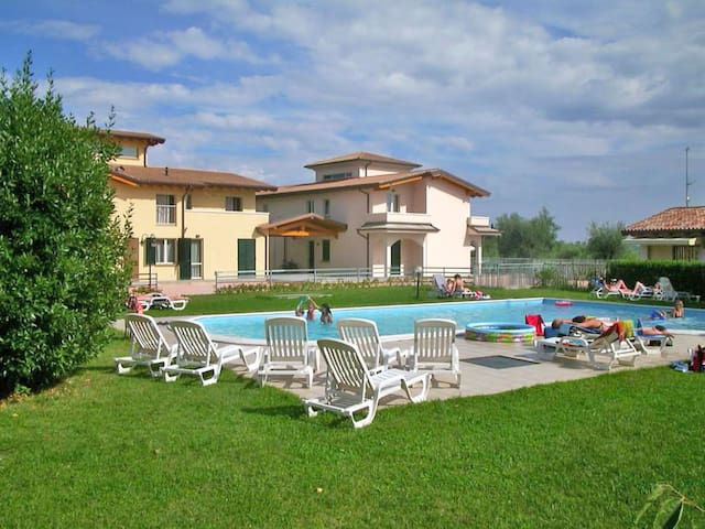 Holiday apartment Colombaro in Salo'