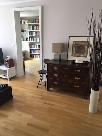 Wohnzimmer / Living Room 2