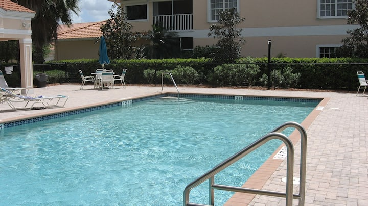 GREAT CONDO-TERRIFIC AREA NAPLES-FL
