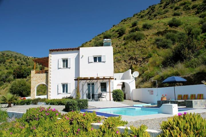 Wunderschöne Villa mit Swimmingpool in Agia Galini Kreta