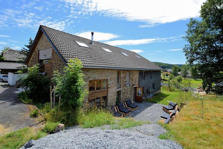 Gezellige boerderij in de Ardennen met recreactieruimte