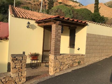 Casa a Nebida con parcheggio privato- IUN P7224