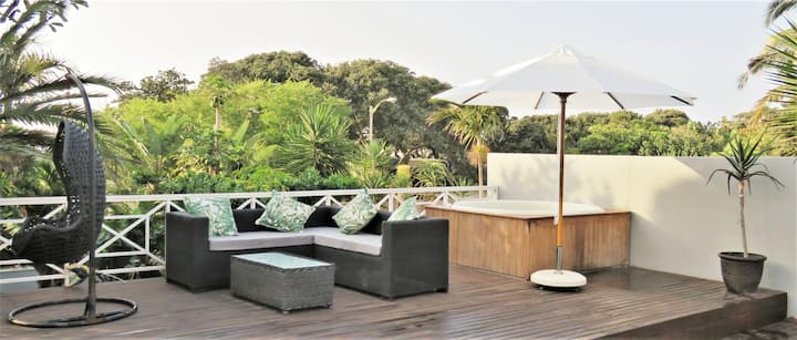 Large tropical beach villa* Umhlanga* Sleeps 8