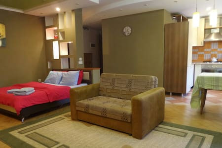 Апартаменты на Кунаева, 83 - Almaty - Appartement