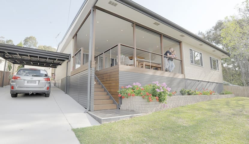Great for large groups, right by Lake Macquarie!
