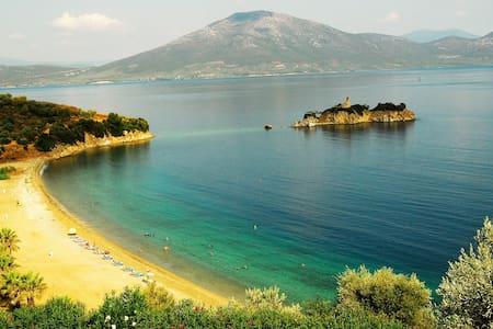 Nissiotissa Mansion by the sea - Neos Pirgos - Таунхаус