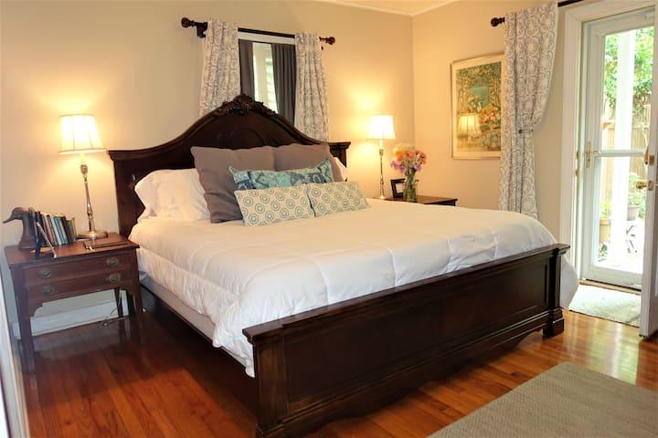 Mt Pleasant Garden Suite near Charleston & Beaches