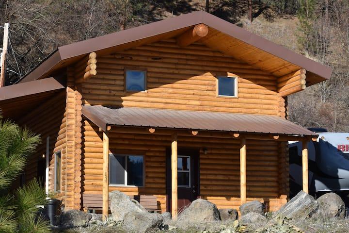 Correa's Cabins- Cabin B