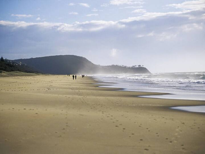 OCEAN VIEW DUPLEX WALK TO BEACH & CLOSE TO NOOSA
