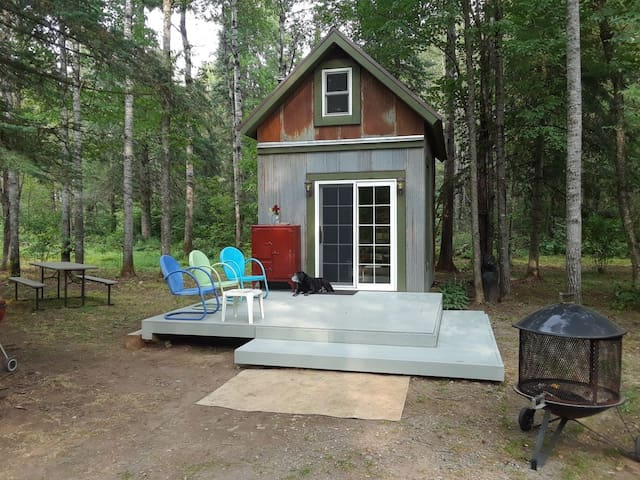 Adorable cabin. Find your true north!
