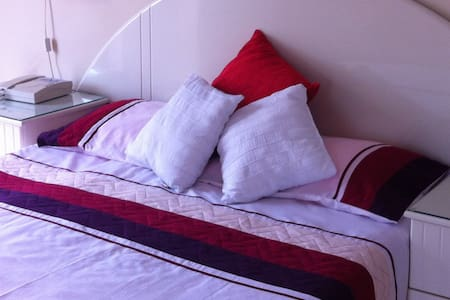 Luxury double ensuite bedroom - Ħal Għargħur