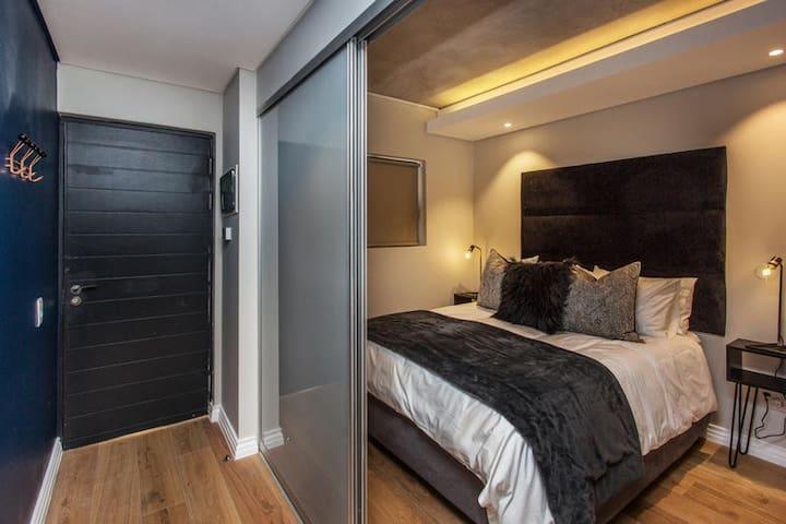 One bedroom Deluxe apartment photo 4