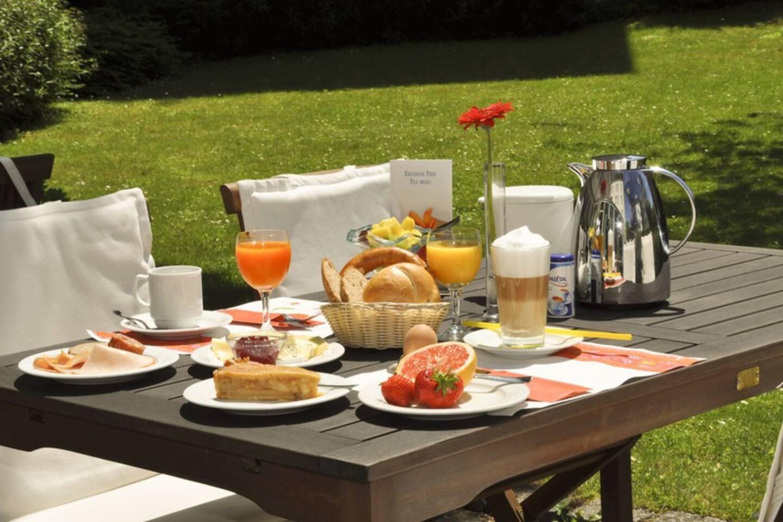 Ein leckeres Frühstück auf der Terasse kann vor Ort gebucht werden.....Sonnenfrühstück!
