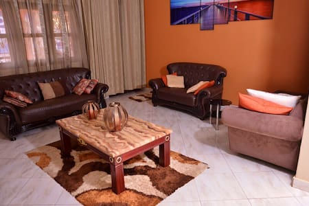 MODERN LUXURIOUS 2BEDS HOUSE IN KAMPALA CITY CTR
