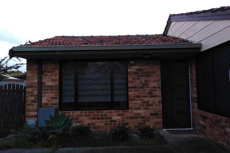 Bull Creek Perth  house close to train station