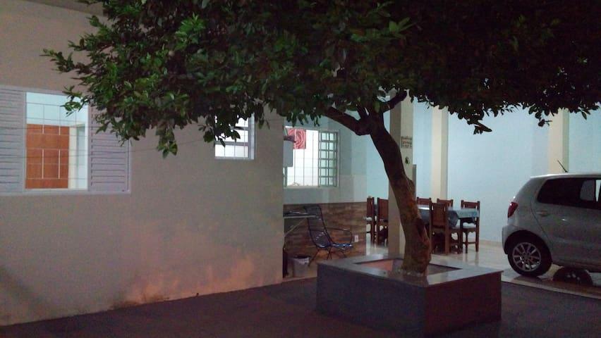 Casa em Cuiabá, bem localizada! - Cuiabá - Rumah