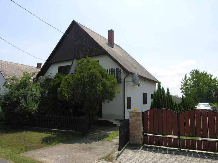 house for 8 persons in Balatonlelle R92359