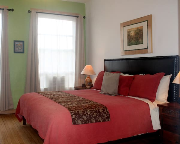 Canyon Rose Suites, Suite 6
