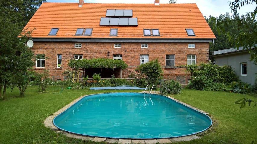 Wohnung mitten im Wald.  4 - 7 (max. 11 Pers.)