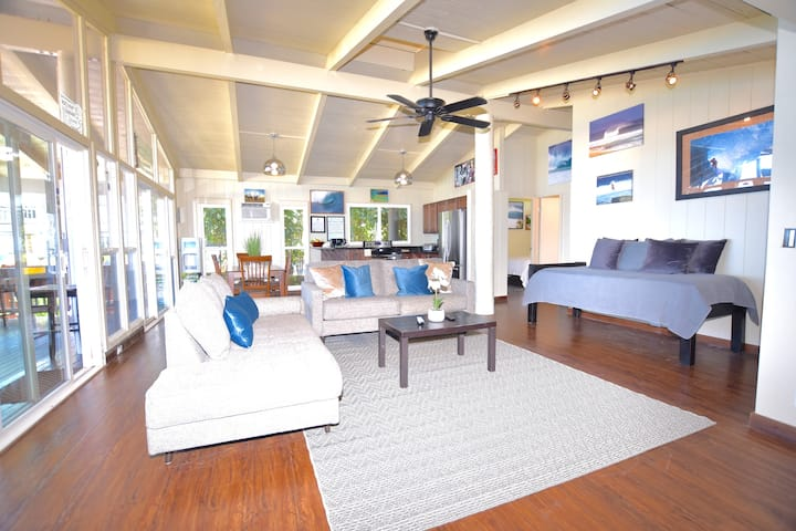 Beachfront House  at Pipeline sleep 6