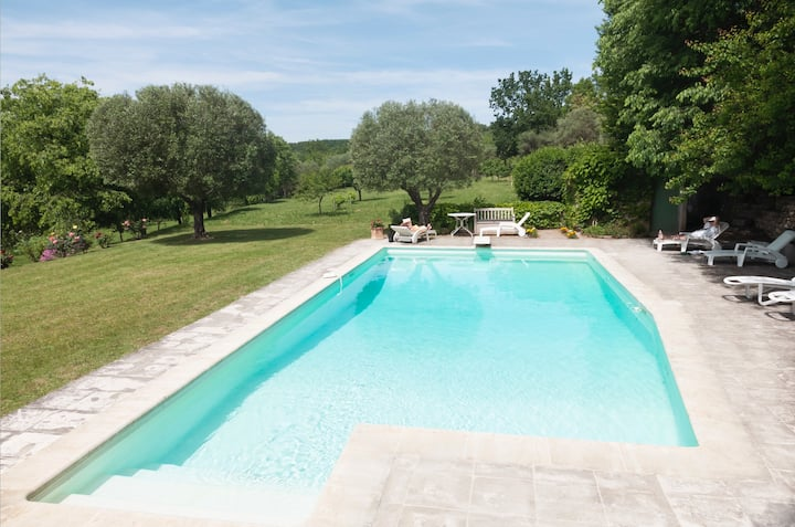 Villa Provence 14+ sleeps swim.pool