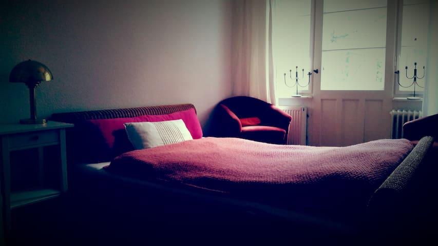 zentrales und gemütliches Altbauappartment - Berlin - Lägenhet