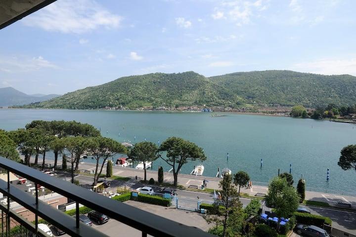Attico vista panoramica lago d'Iseo