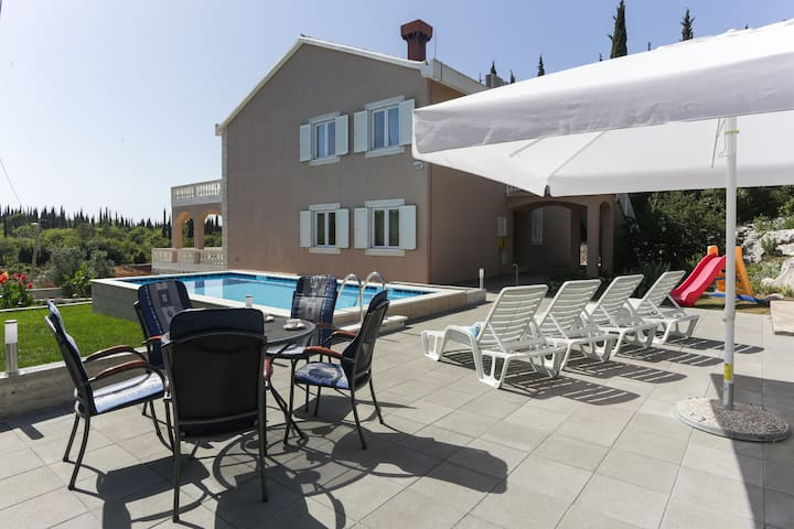 Vila Harmonia - One-Bedroom Apartment with Patio