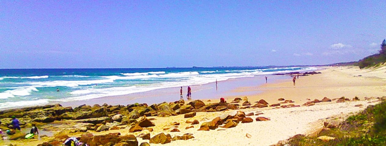 Big Budget Apt Family Friendly -Travellers Welcome - Mount Coolum - Apartament