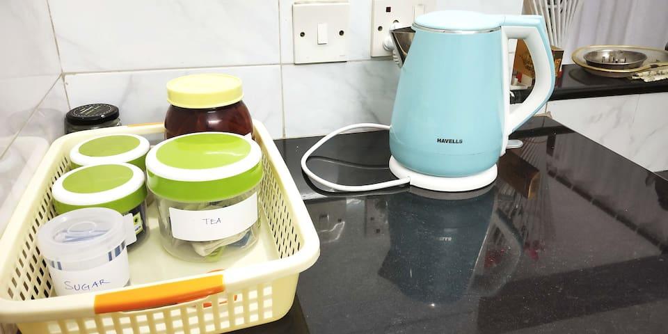 Kettle with tea/coffee/milk powder/Sugar
