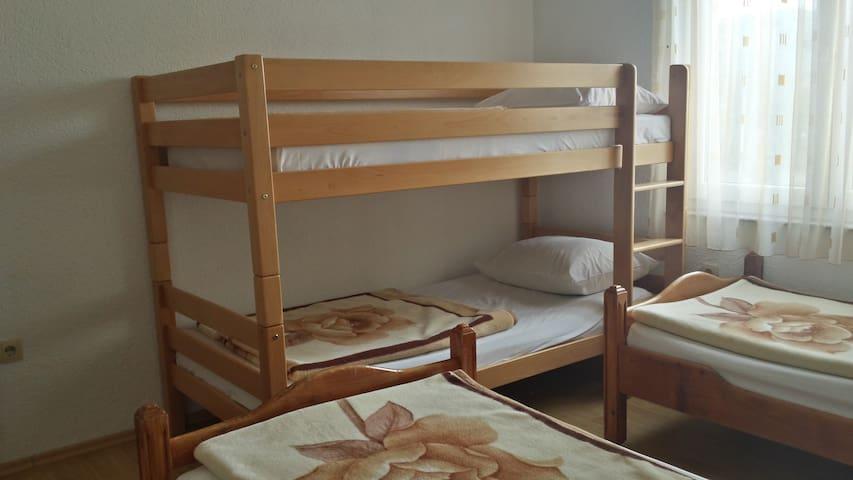 Economy Quadruple Room Pansion Hotel Glory 100350
