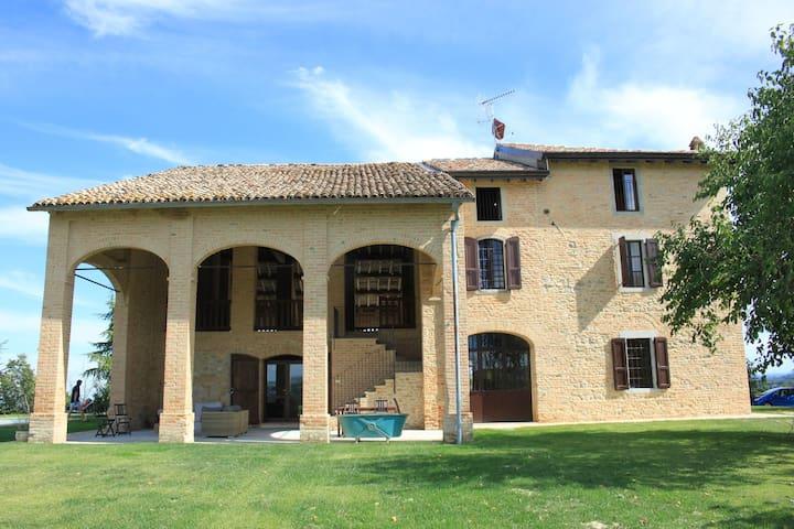Idyllisches Ferienhaus mit privatem Pool in Tabiano Castello