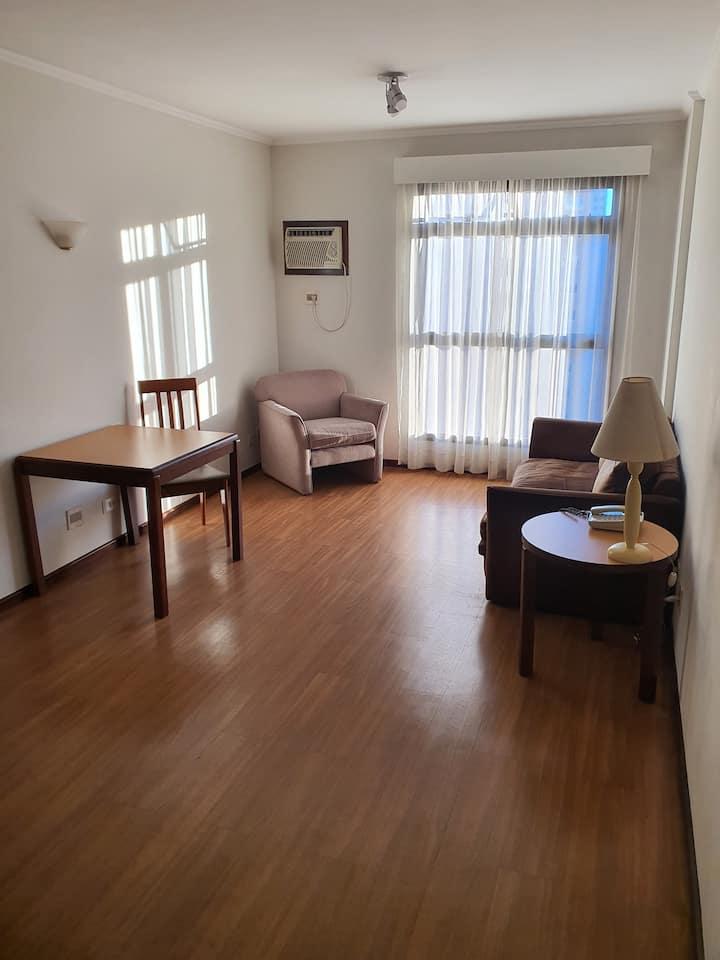 Apartamento amplo próximo Bairro Batel.