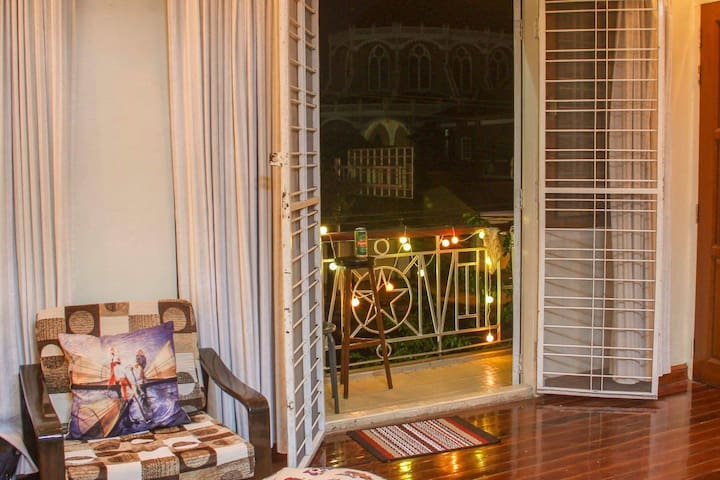 The Burmista - Double Room (Yangon Downtown)