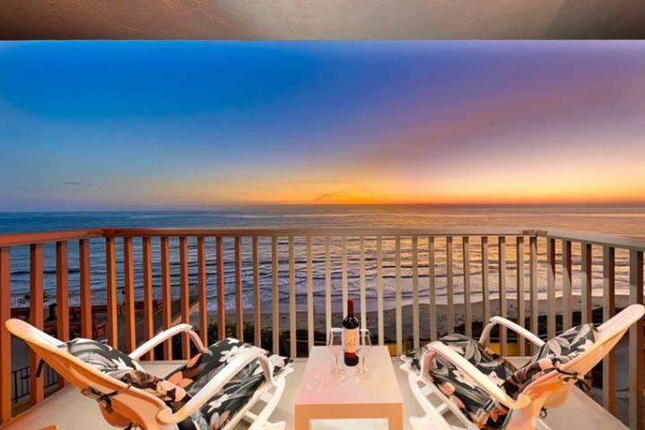 20% OFF AUG - Amazing Beachfront Home w/ Deck, Pool & Ocean Views