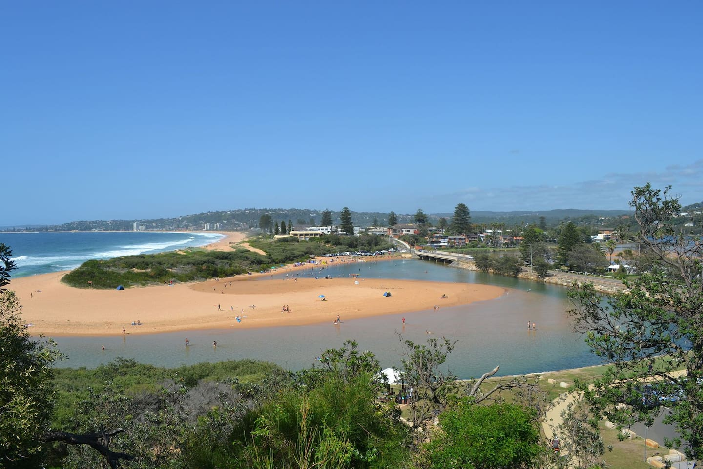 North Narrabeen beach and lake