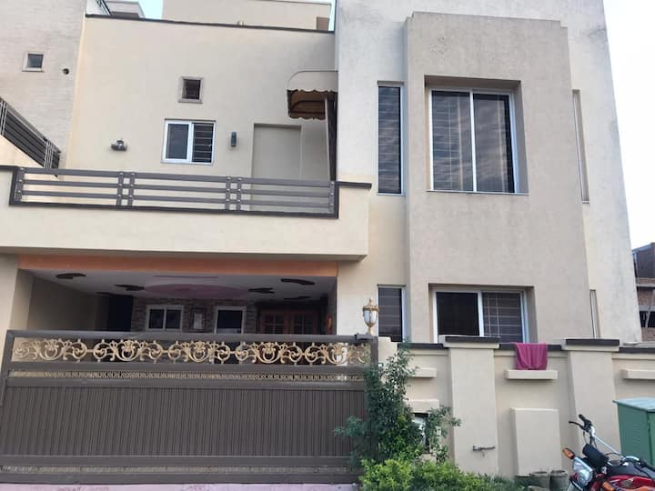 7 Star vip furnished House in bahria town