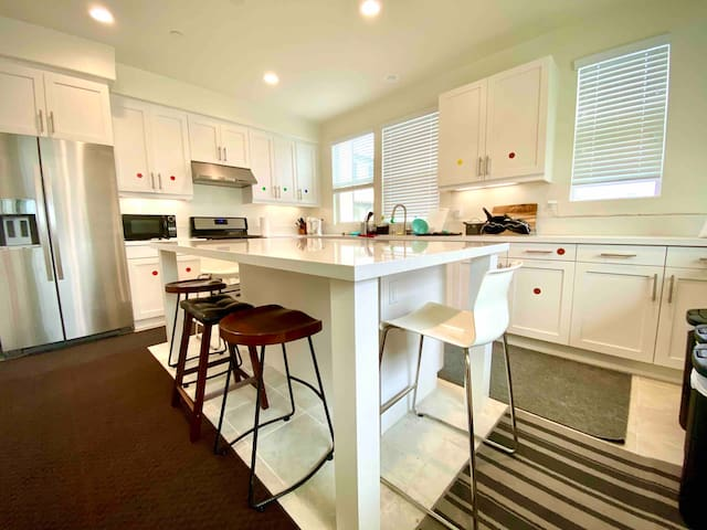 Monthly rental-Private Bathroom &New house