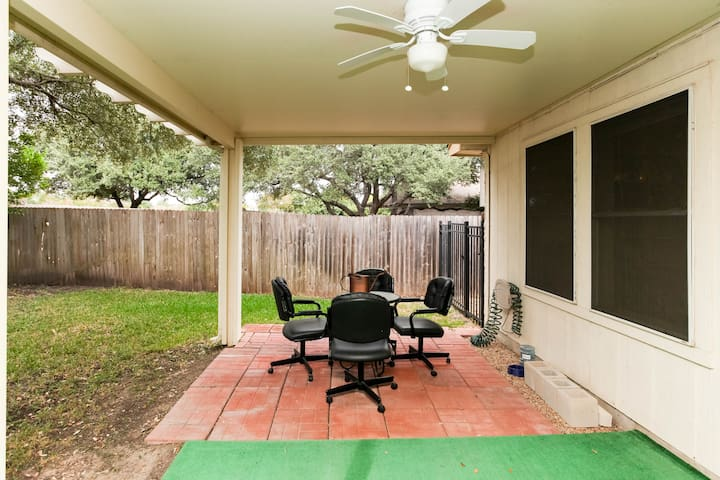 Easy Access to Austin Living