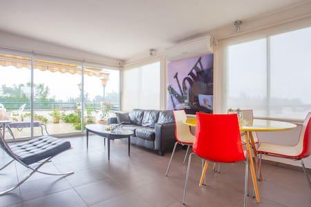 FUN Penthouse suite near TLV & Airport
