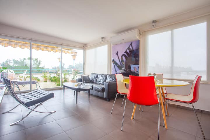 FUN Penthouse suite near TLV & Airport