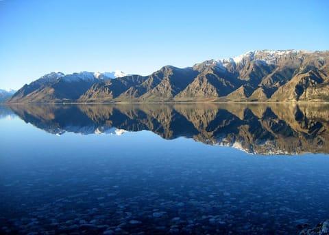 Fantail Cottage Lakefront Lake Hawea, Wanaka, NZ