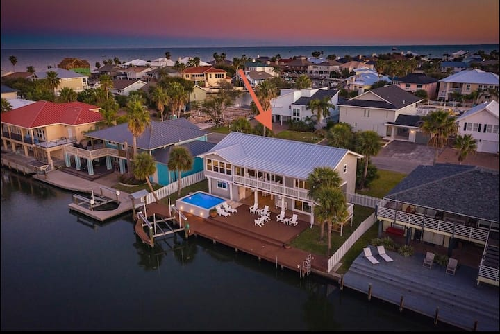 The Salt Life | Exquisite Canal Home | Pool & Dock