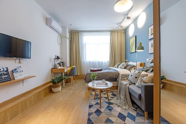 一室户 30平原价2610一个月 长租2200一个月