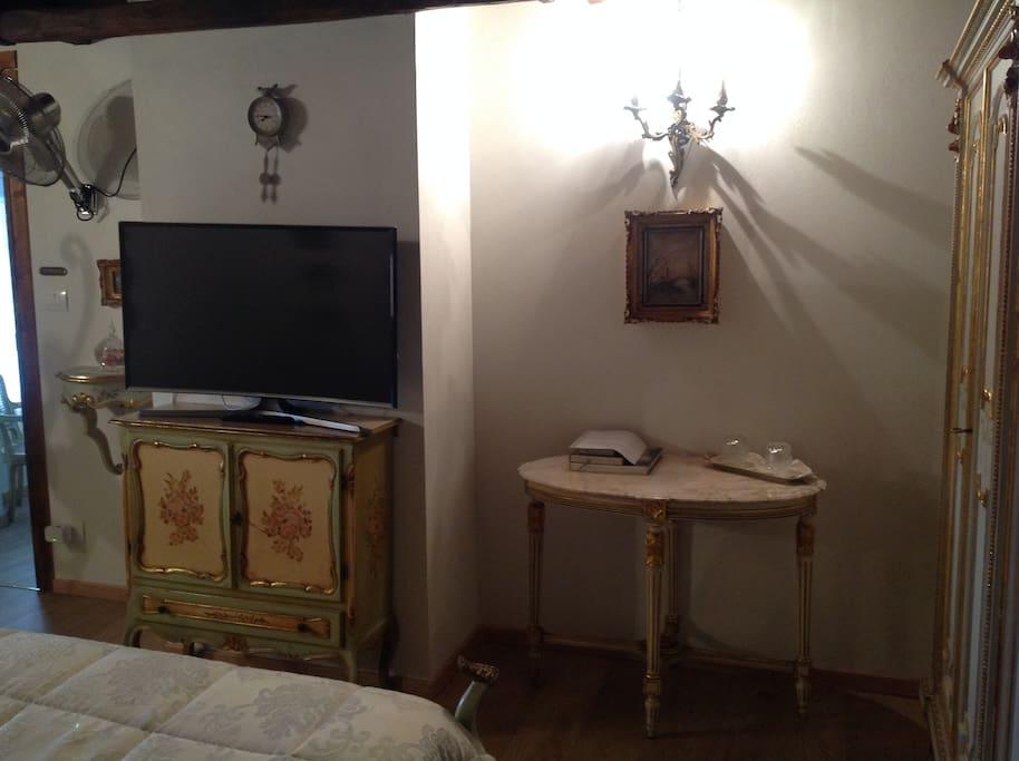 Stanza San Antonio - TV