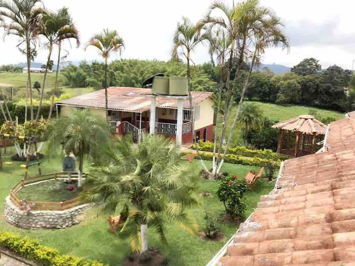 Beautiful Country home / Finca Villa la Isabella