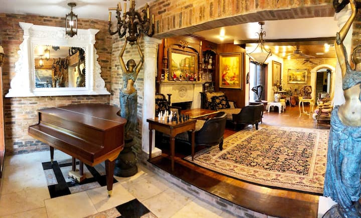 MIAMI COCO WALK ANTIQUE HOME EXPERIENCE COME ENJOY