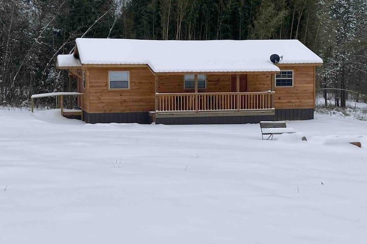 Daisy Creek Cabins and RV (Cabin 1)