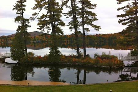 Lagoon House apartment on Loon Lake - Vermontville - Hus