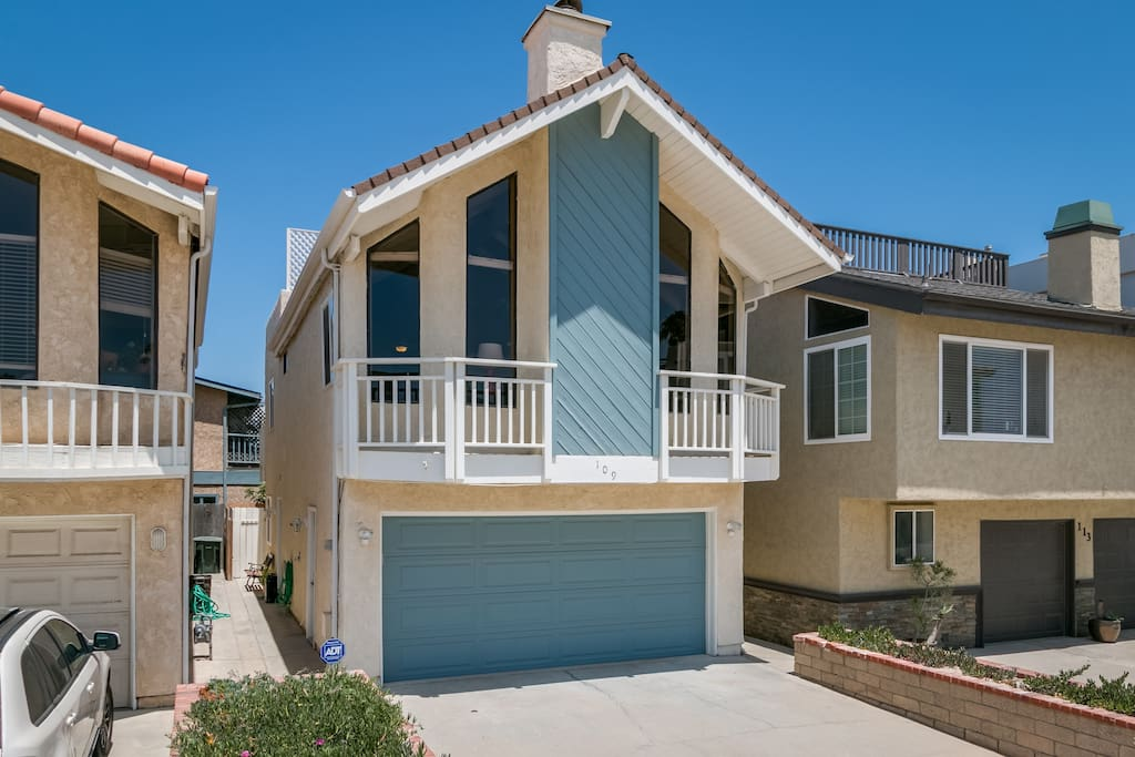 beachside beauty with deck houses for rent in oxnard